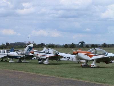 Flying Training|Instructor|Examiner|Formation|CPL|Aerobatics